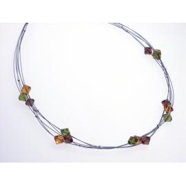Strieborný náhrdelník so Swarovski Elements krištáľmi.