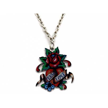 Ed Hardy náhrdelník s príveskom tvaru ruže a srdca s nápisom.