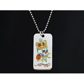 Ed Hardy náhrdelník s príveskom, DOG TAG, tvaru obdĺžnika so zaoblenými hranami.