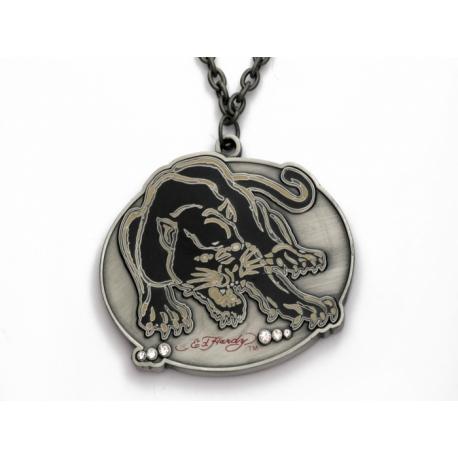 Ed Hardy náhrdelník s oválnym príveskom s motívom pumy.