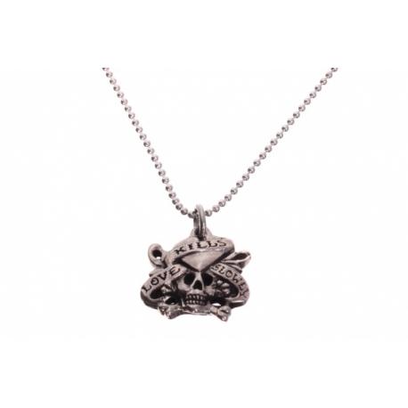 Ed Hardy strieborný náhrdelník s motívom lebky a srdca.
