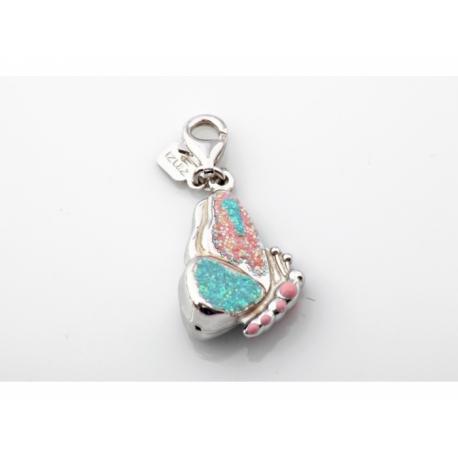 Zinzi strieborný prívesok s karabínkou - motýľ s možnosťou uchytenia na náhrdelník alebo na náramok.
